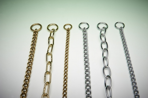 Medium Weight Twisted Link Check Chain